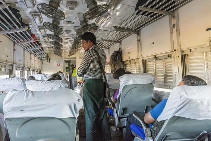 Train Mandalay to Bagan