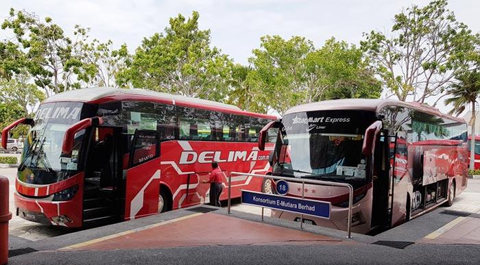 The Bus from Kuala Lumpur to Malacca