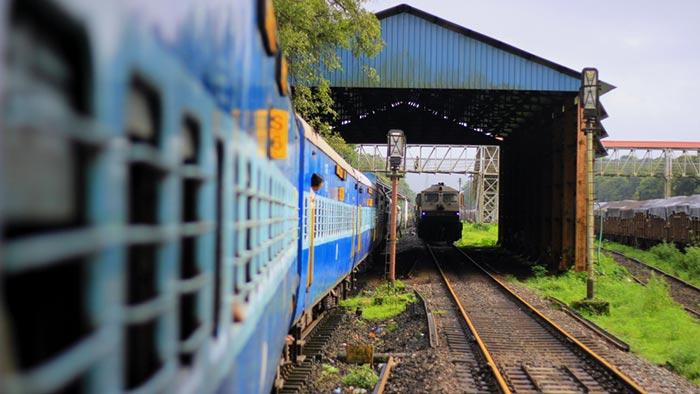 Train from Delhi to Goa